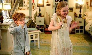 Elle Fanning e Aaron Michael Drozin in un'immagine del film The Nutcracker in 3D