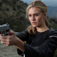 Maggie Grace in un'immagine dell'action Faster