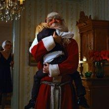 Ingunn Beate Øyen e Trond Fausa Aurvaag in una scena del film Tornando a casa per Natale