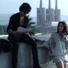 Óscar Jaenada con Sophie Auster in un'immagine del film Circuit