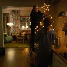 Una scena domestica del film Tornando a casa per Natale
