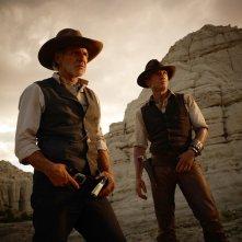 Daniel Craig ed Harrison Ford nel film Cowboys & Aliens