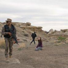 Jamil Walker Smith e Jennifer Spence nell'episodio Malice di Stargate Universe
