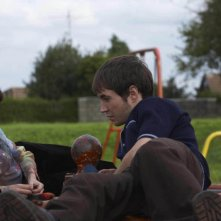Mandy (Felicity Jones) and Joe (Martin Compston) in una scena del film SoulBoy