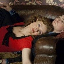Anne-Marie Duff e Aaron Johnson nei panni di madre e figlio per Nowhere Boy