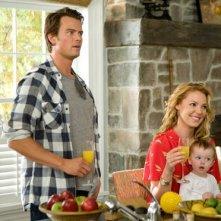 Josh Duhamel e Katherine Heigl alle prese con un bebé nella commedia Tre all'improvviso
