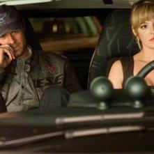 Josh Duhamel e Katherine Heigl in una scena della commedia Tre all'improvviso