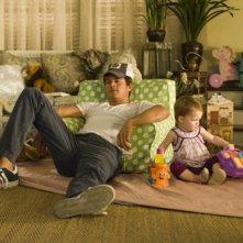 Josh Duhamel in una divertente scena della commedia romantica Life as We Know It