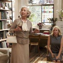 Naomi Watts e Gemma Jones in un'immagine della commedia You Will Meet a Tall Dark Stranger