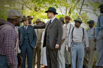 Erik Weiner e Micheal Shannon in una scena dell'episodio Paris Green di Boardwalk Empire