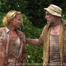 Laurie Holden e Jeffrey DeMunn in una scena dell'episodio Wildfire di The Walking Dead