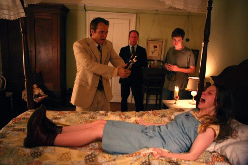 Patrick Fabian E Ashley Bell In Una Scen Di The Last Exorcism 184934