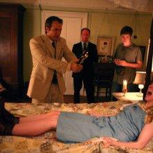 Patrick Fabian e Ashley Bell in una scen di The Last Exorcism