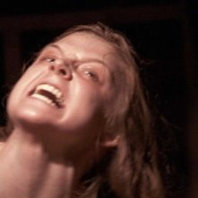 Una spaventosa Ashley Bell nell'horror The Last Exorcism