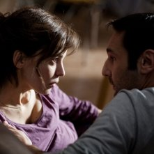 Elena Anaya e Gilles Lellouche, protagonisti del thriller À bout portant
