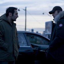 Gilles Lellouche e Gérard Lanvin in una scena del thriller À bout portant