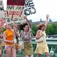 Sally Hawkins nella scena della protesta in We Want Sex
