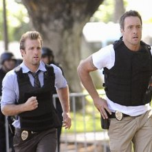 Scott Caan e Alex O'Loughlin in Hawaii Five-0 nell'episodio Hana'a'a Makehewa