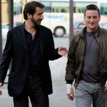 Benoît Magimel ed Edouard Baer nel film Mon pote