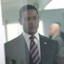 Blair Underwood nell'episodio Your World to Take di The Event