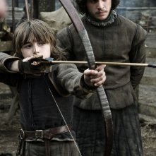Isaac Hempstead-Wright e Kit Harington in una scena di Game of Thrones