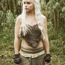 Emilia Clarke è Daenerys Targaryen nella nuova serie HBO Game of Thrones