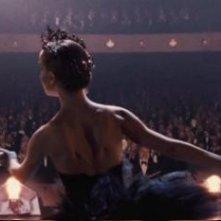 Natalie Portman balla nel ruolo di Odette in Black Swan