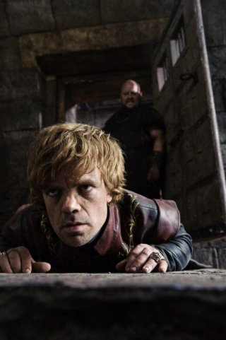 Peter Dinklage nel ruolo di Tyrion Lannister nella nuova serie HBO Game of Thrones