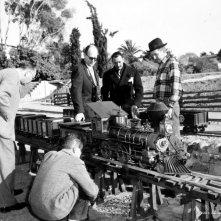 Walt Disney insieme a Salvador Dalì sul set