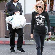 Avril Lavigne seguita da Brody Jenner fanno shopping a Bristol Farms in Beverly Hills, il 24 novembre 2010