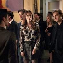 Connor Paolo (di spalle), Penn Badgley, Leighton Meester e Kevin Zegers nell'episodio The Townie di Gossip Girl
