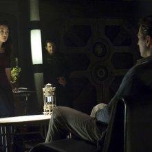 Ming-Na, Justin Louis e Tygh Runyan nell'episodio Visitation di Stargate Universe