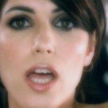 Giorgia in una scena del video di Vivi Davvero, diretto da Nicolangelo Gelormini.