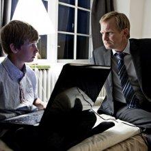 William Jøhnk Nielsen con Ulrich Thomsen nel film In un mondo migliore