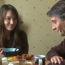 Anaïs Demoustier e Nicolas Abraham nel film La tête ailleurs
