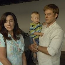 Michael C. Hall e Maria Doyle Kennedy in una scena dell'episodio In the Beginning della quinta stagione di Dexter