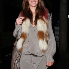 Alessandra Ambrosio si dirige al ristorante Beso a Los Angeles