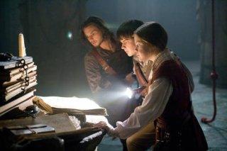 Ben Barnes, Skandar Keynes e Georgie Henley in una sequenza de Le cronache di Narnia: Il viaggio del veliero