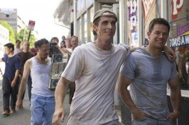 Christian Bale e Mark Wahlberg sul set del drammatico The Fighter