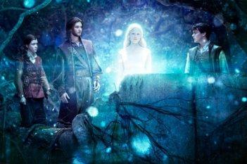 Georgie Henley, Ben Barnes e Skandar Keynes in una sequenza de Le cronache di Narnia: Il viaggio del veliero