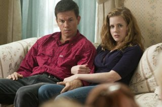 Mark Wahlberg con Amy Adams nel film The Fighter