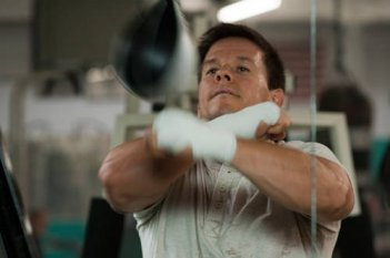 Mark Wahlberg pugile combattivo in The Fighter