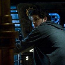 Eli (David Blue) di spalle nell'episodio Resurgence di Stargate Universe