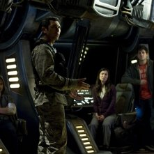Robert Carlyle, Lou Diamond Phillips, Justin Louis, David Blue e Jennifer Spence in Resurgence di Stargate Universe