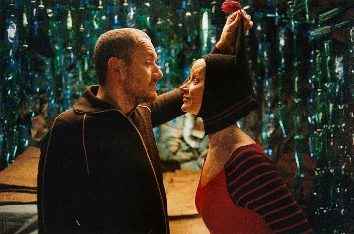 Dany Boon Con Julie Ferrier Nel Film L Esplosivo Piano Di Bazil 186408