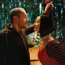 Dany Boon con Julie Ferrier nel film L'esplosivo piano di Bazil