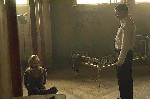 Julia Stiles E Jonny Lee Miller In Una Scena Dell Episodio The Big One Di Dexter 186614