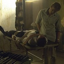 Michael C. Hall e Jonny Lee Miller in una scena dell'episodio The Big One di Dexter
