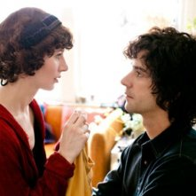 Miranda July e Hamish Linklater in una scena di The Future