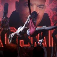 Carolina Bang è la trapezista di Balada triste de trompeta